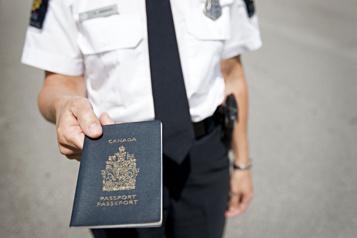 Une forte demande de passeports attendue par Ottawa