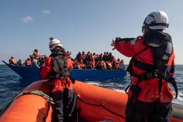 La justice italienne soupçonne des ONG de collusion avec des passeurs de migrants)