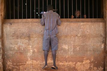 Sierra Leone Le gouvernement abolit la peine de mort)