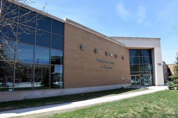 À Saguenay, les bibliothèques prêtent encore les versions papier )