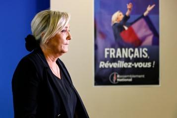 France Le parti de Marine Le Pen en difficulté financière, licencie des salariés)