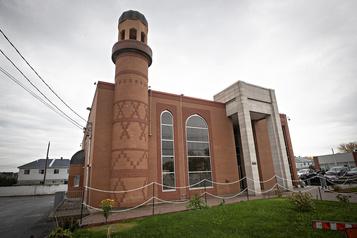 Vandalisme dans deux mosquées du Grand Montréal)