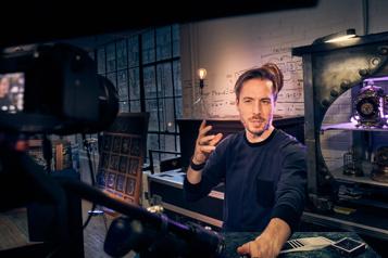 Interconnectés de Luc Langevin Les limites de la magie en virtuel ★★★½)