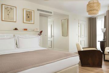 Face au virus, un petit hôtel parisien s'endort