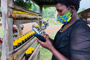 La planète économique: Canada, Botswana, même combatpour les données mobiles?)