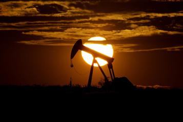 Le prix du pétrole – et de l'essence – en forte hausse )