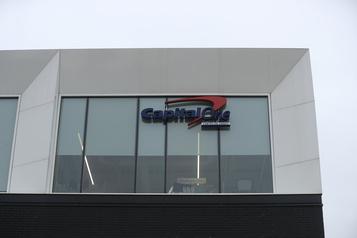 Fin des ententes avec Costco et LaBaie d'Hudson Capital One supprime 250emplois à Montréal )