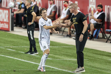 Jim Curtin est l'entraîneur de l'année dans la MLS)