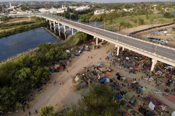 5000 autres migrants haïtiens pourraient être relâchés prochainement)