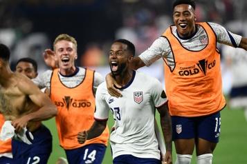 Les États-Unis remportent la Gold Cup face au Mexique)