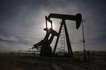 Le pétrole redescend tandis que les relations sino-américaines se dégradent)