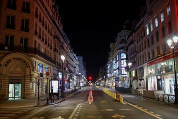 COVID-19 en France Des mesures plus sévères pour éviter un troisième confinement)