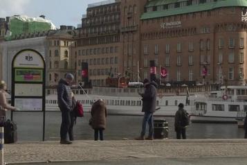 La Suède prend une approche moins sévère pour combattre le coronavirus