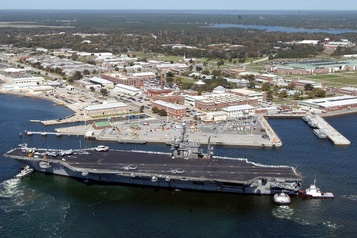 Attaque sur une base militaire de Floride: le Saoudien avait écrit des messages hostiles