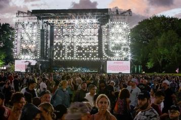 Le grand concert de NewYork écourté sous la menace d'un ouragan)