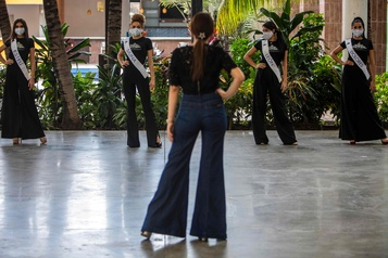 Miss Nicaragua envers et contre le coronavirus)