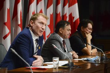 LoiC-92: l'entente Ottawa-Premières Nations est signée)