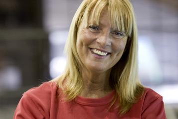 L'entraîneuse de natation artistique Julie Sauvé est décédée à 67ans