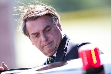 COVID-19: Facebook et Instagram suppriment des vidéos de Bolsonaro