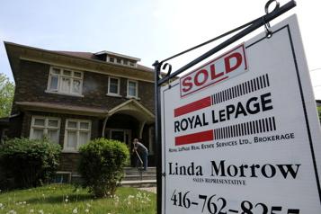 Les ventes résidentielles ont reculé de 7,4% en mai au Canada)