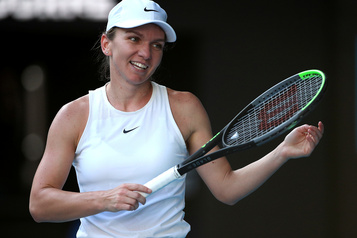 La favorite Simona Halep accède à la 2e ronde à Prague)