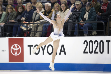 Skate America Mariah Bell et Bradie Tennell dominent le programme court)