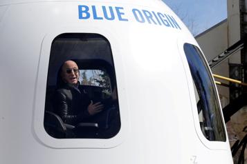 Voyage dans l'espace Une envolée avec Jeff Bezos vendue 28millions aux enchères)