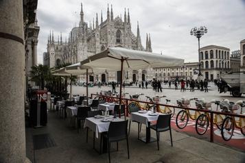 COVID-19 L'Italie durcit les restrictions après un nombre record de nouveaux cas)