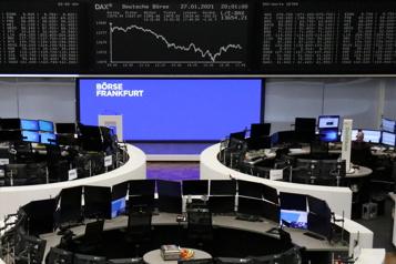 Les marchés mondiaux inquiets de la frénésie spéculative)