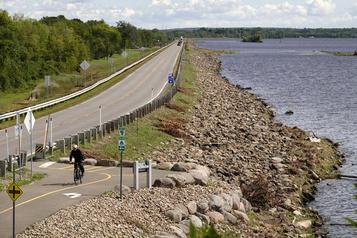 Le Québec à vélo La Seigneurie d'Argenteuil: plat, mais pas plate)
