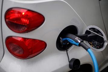 Auto électrique Moins exigeante en matières premières que l'auto à essence)