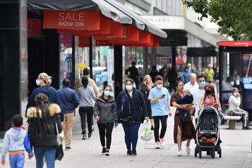 Pandémie: l'économie britannique fait face à sa pire récession «en 300 ans»)