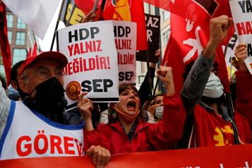 La plus haute cour de Turquie va examiner l'interdiction du parti prokurde)