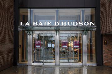 Des centres commerciaux pas à la hauteur, réplique La Baie d'Hudson)