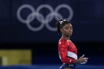 Gymnastique Simone Biles perdue dans l'espace)