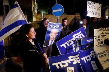 Nétanyahou inculpé pour corruption, électrochoc en Israël