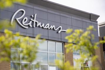 Reitmans éliminera 1400?postes et fermera deux?enseignes)