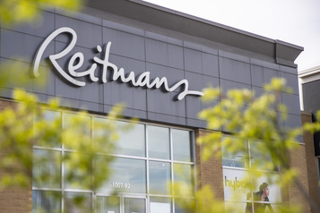 Reitmans éliminera 1400postes et fermera deuxenseignes)