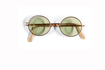 Les lunettes rondes de John Lennon vendues 242000$