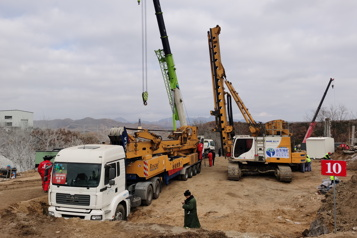 Mineurs coincés en Chine: l'élargissement d'un tunnel relance l'espoir)
