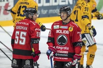 Au moins Jesperi Kotkaniemi joue, lui! )