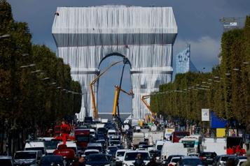 L'Arc de Triomphe recouvert de tissu