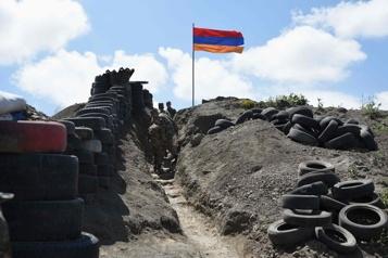 Arménie Pachinian souhaite des troupes russes à la frontière avec l'Azerbaïdjan)