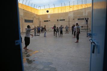 L'EI dit avoir «libéré» des femmes détenues par les Kurdes