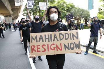 Malaisie L'opposition réclame la démission du premier ministre)