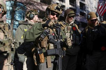 Des milliers d'Américains ont manifesté pour le droit de détenir des armes