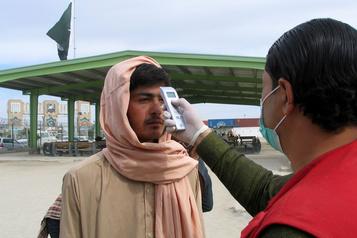Afghanistan et Pakistan, voisins de l'Iran, démunis face au coronavirus