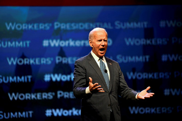 Lanceur d'alerte: Biden exige que Trump publie la retranscription de l'appel