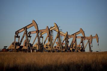 Le pétrole se reprend après des données encourageantes en Chine)
