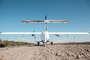 L'avion-épandeur électrique autonome Pelican obtient une certification FAA)